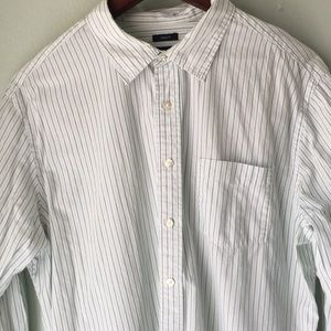 GAP classic fit button down long sleeve
